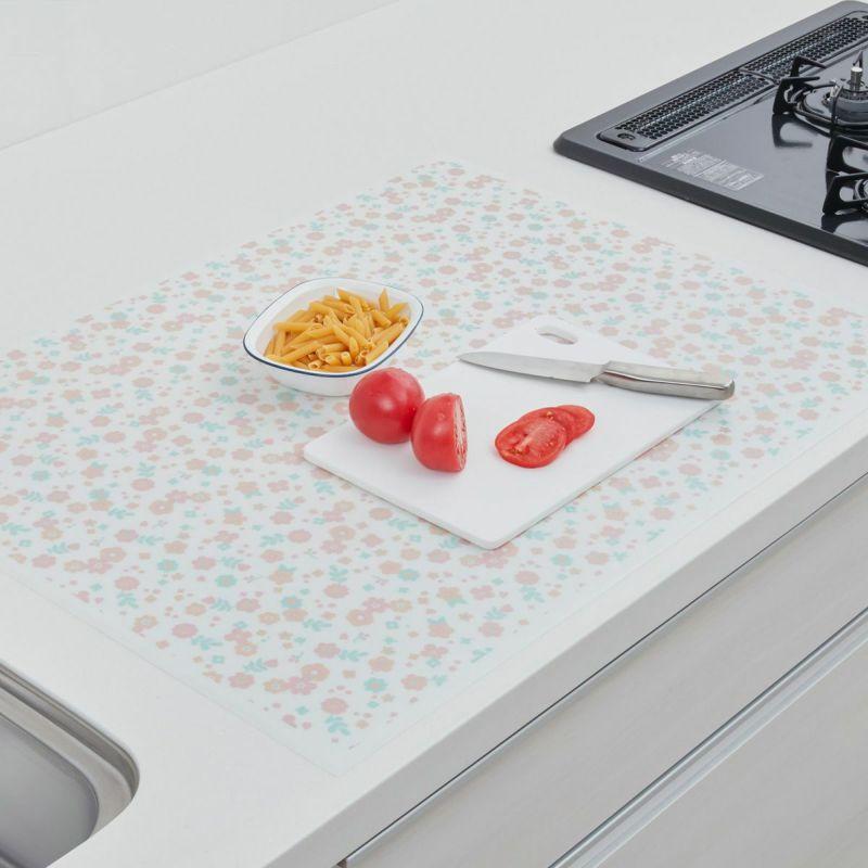 シートと調理台の間に水が入りにくいピタッと吸いつくような密着間