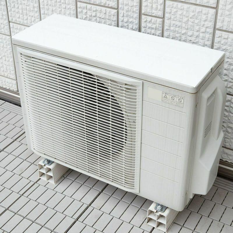 熱い夏に!日光を反射して室外機の表面温度を約21℃マイナス。