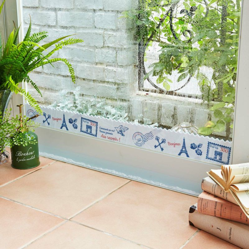 洗って繰り返し使える吸着タイプの結露吸水テープ。