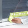 通常の結露吸水テープでは貼り付けが難しい、すりガラスにも貼れるタイプの結露吸水テープです。