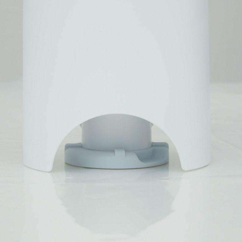 バルブの溝がエアッシュ(別売:圧縮吸引機)とフィット。一緒に使うとよりスピーディーに圧縮できます。