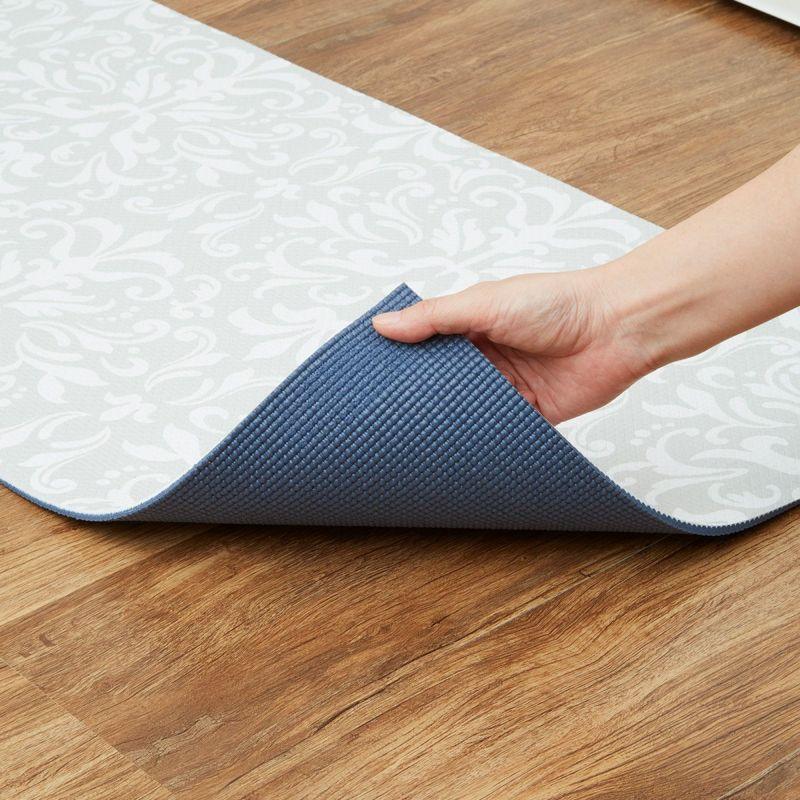 裏面はすべりにくい素材でズレにくく、作業効率アップ。