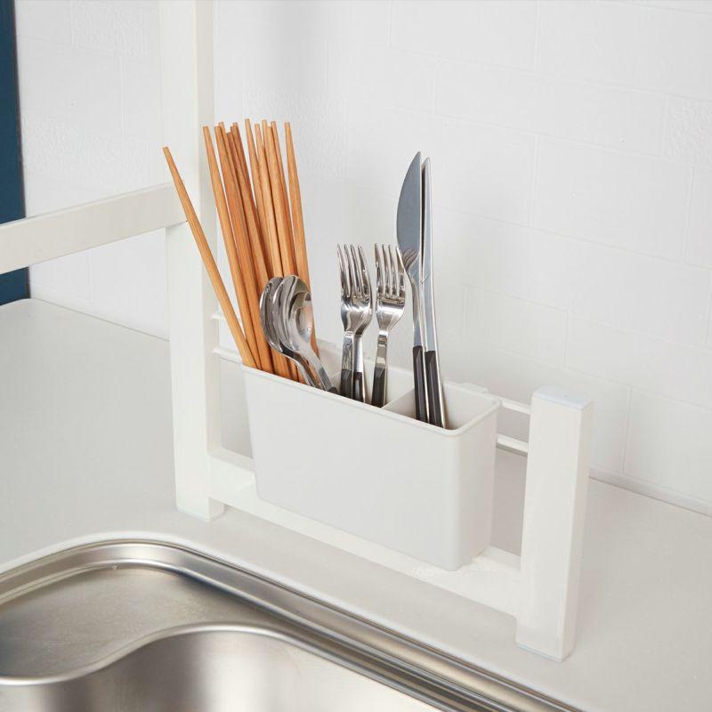 お箸、スプーンなども立てて水切り。