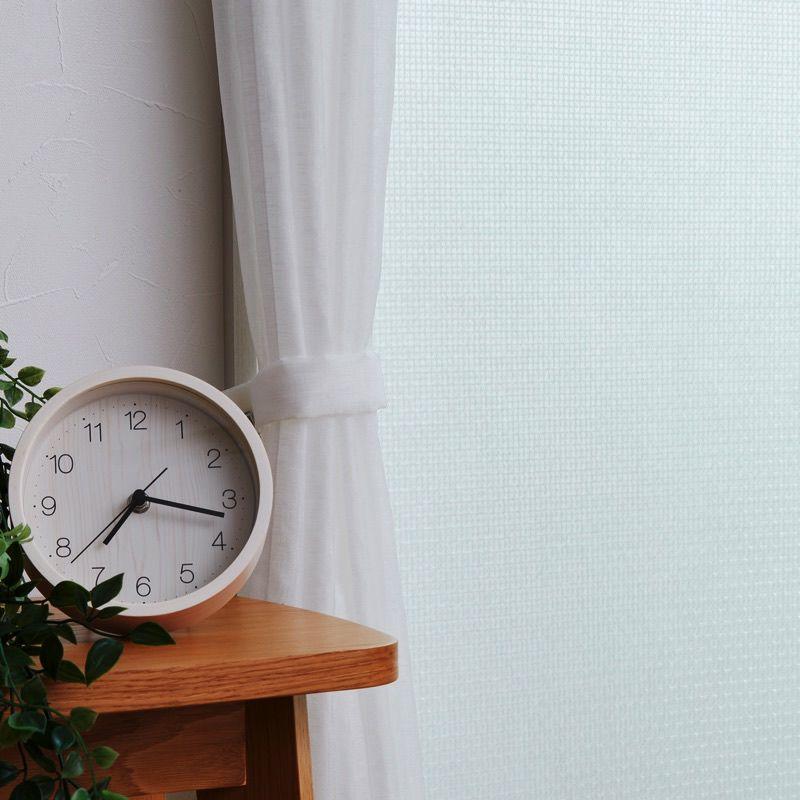 ガラスの表面温度の低下を防ぎ、結露の発生を抑制します。