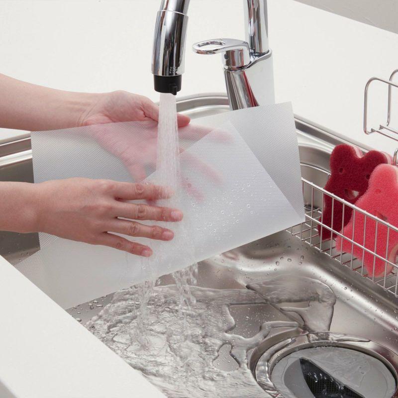 厚手で丈夫だから、キズや汚れの付着がなければ洗って繰り返し使えます 汚れたら使い捨てできて清潔!
