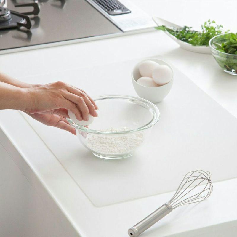 厚み2mmのクッション性で調理中のガチャガチャ音を軽減。