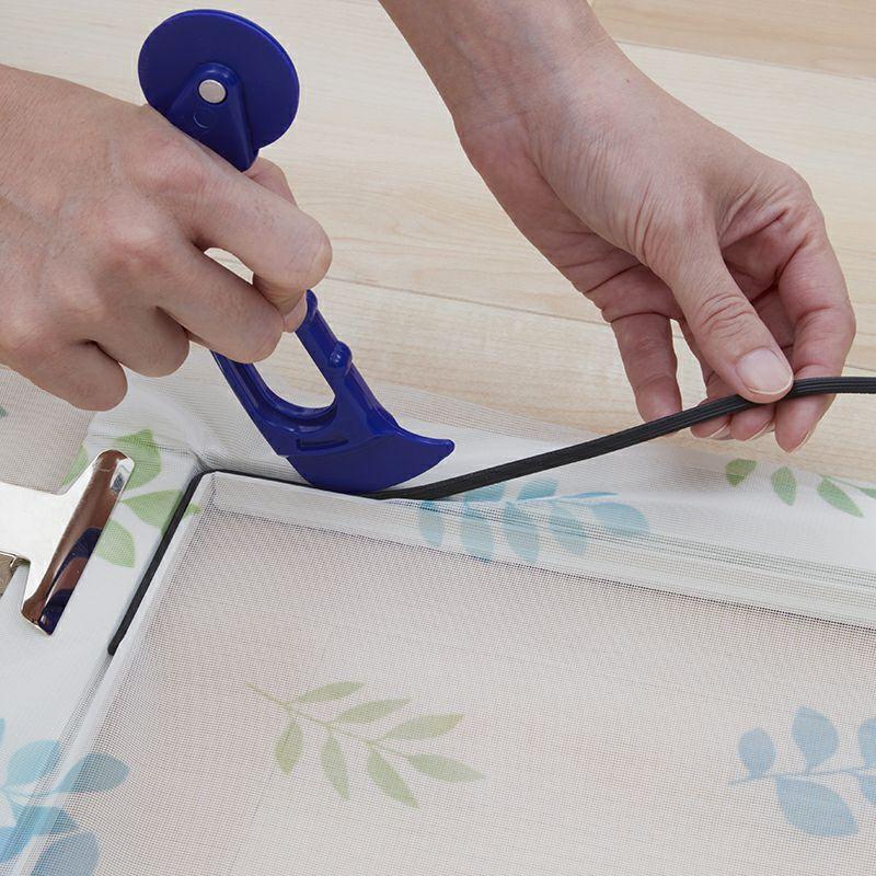 網戸をおしゃれに張り替え。※別売りのローラーと網押さえゴムが必要です。